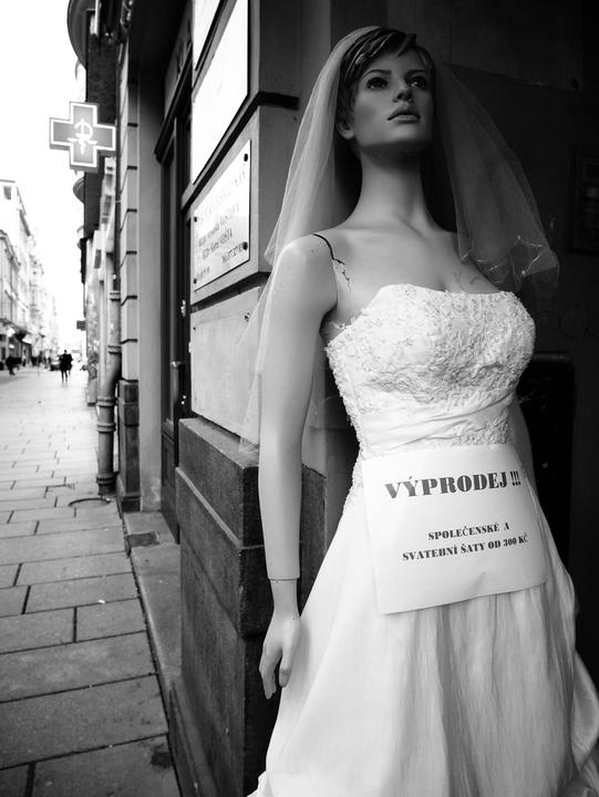 /images/2018/bartered-away-bride.thumbnail.jpg