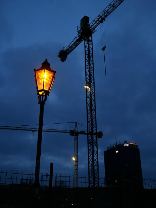 /images/2018/of-lamps-and-cranes.thumbnail.jpg